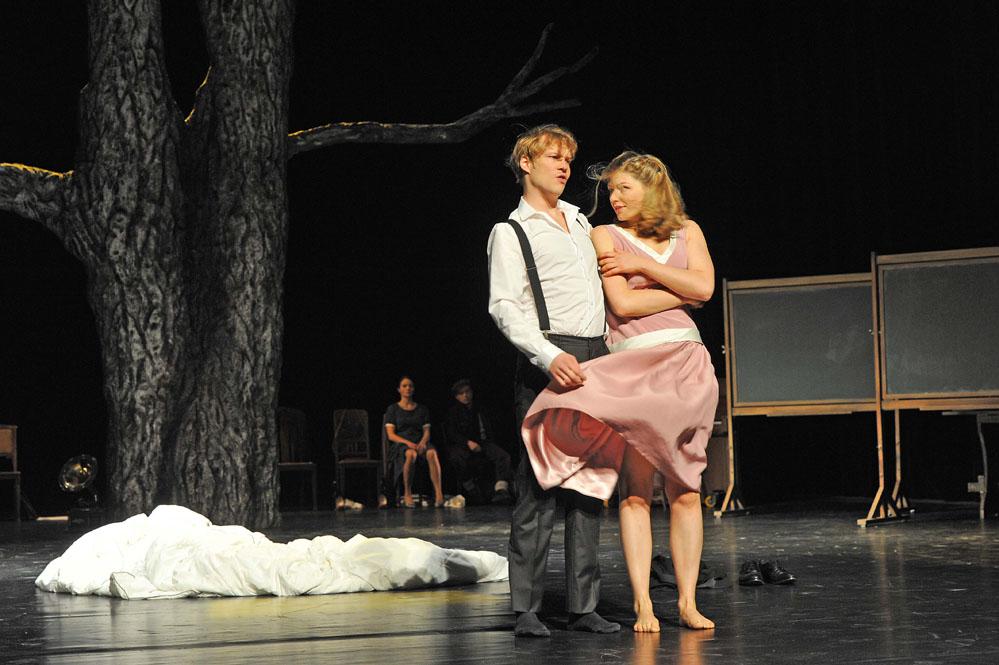 Sarah Zaharanski, Was nützt die Liebe in Gedanken, Uraufführung, Theater